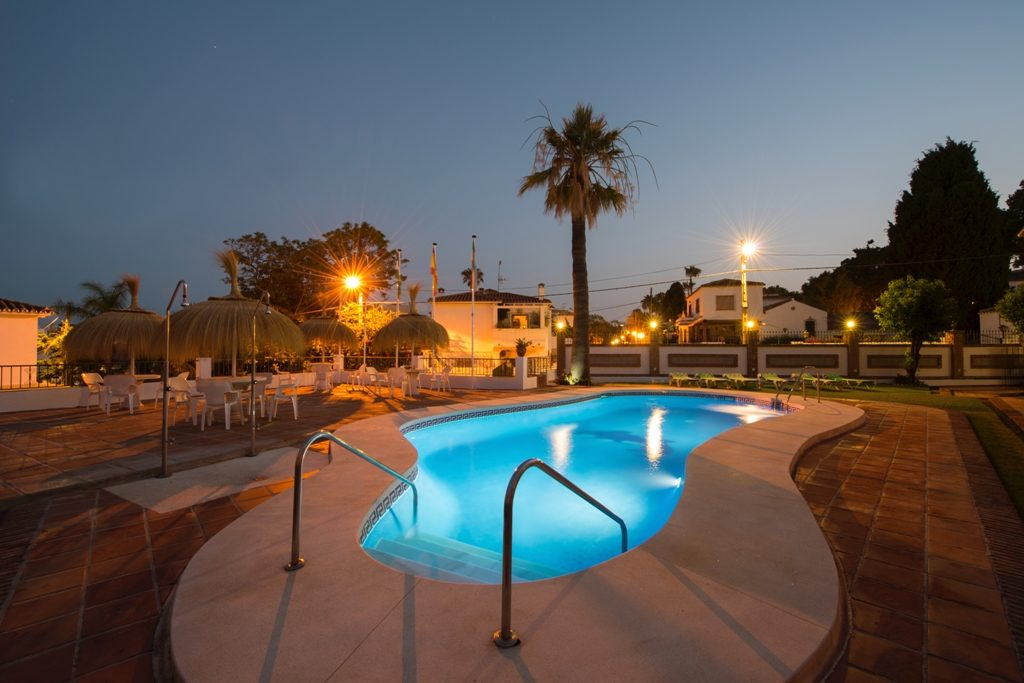 Apartments With Swimming Pool Carihuela Beach